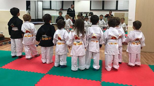 gruppo bambini 3 anni arti marziali tor di quinto